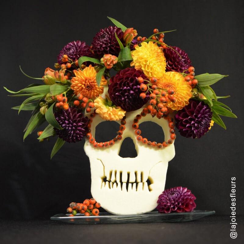 Tête de mort mousse florale