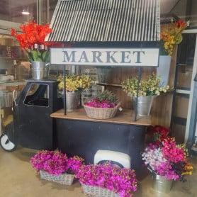 Food truc décoratif - mobilier fleuriste